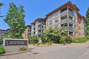 Beautiful 2 Bed/2 Bath Top Corner Suite!