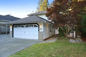 (VIRTUAL TOUR) Attractive Well Maintained & Updated Family Home!