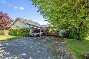 (VIRTUAL TOUR) Property Located On A Corner Lot!