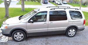 2009 Pontiac Montana SV6 Minivan, Van