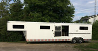 2010 Shadow 4 horse head to head trailer with tack room