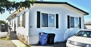 1996 SRI 28x48 Mobile Home - Delivery Included in Alberta