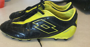 Ladies lotto soccer cleats size 5.5