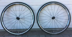 Shimano RS010 Road Wheelset with Continental UltraSport2 tires
