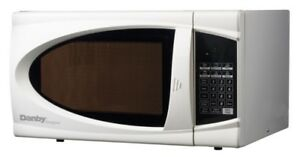 Designer 0.7 cu. ft. Countertop Microwave in White