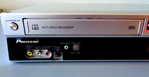 PIONEER DIGITAL VIDEO DVD/VHS RECORDER/CONVERTER DVR RT501-S—NEW