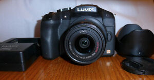 Lumix G6 with 14-42mm Zoom Lens in Excellent Condition