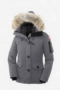 Canada Goose Montebello Slim Fit Down Parka with Genuine Coyote