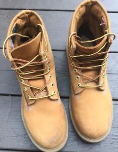 Timberland hiking boots size 8.5
