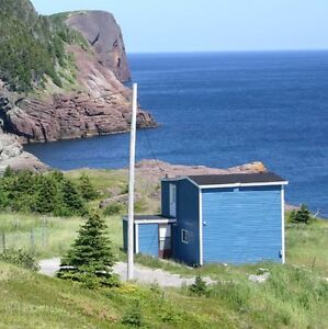 Furnished house with glorious oceanview (30 mins from downtown)