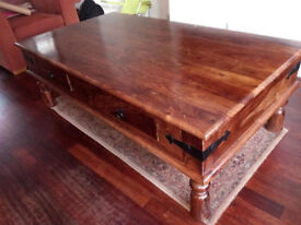 Beautiful Solid Wood Coffee Table with 4 Drawers