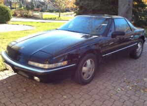 1989 BUICK REATTA COUPE WITH SUNROOF - 138800KMS