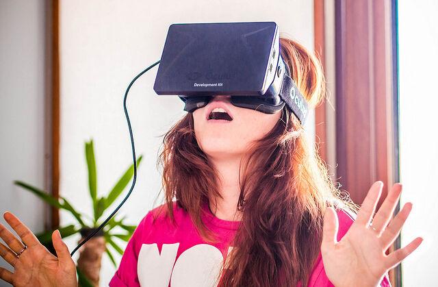 Oculus Rift: der Pionier der neuen Generation von VR-Brillen (Sergey Galyonkin (CC BY-SA 2.0))