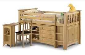 Kids cabin bed in pine used but good condition