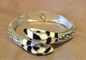 Woman snake bracelet