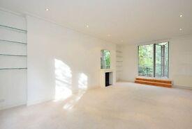 4 bedroom flat in Belsize Park Gardens, Belsize Park