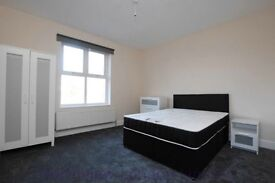 Four double bedroom conversion located very close to Finsbury Park station N4
