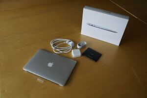 Macbook Air Mint Condition 13inch