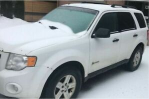 Selling 2009 Ford Escape Hybrid AWD (Safety Certified in Dec.)