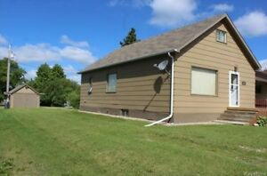 3 Bedroom 1 1/2 Storey Home for Sale in Inglis, MB!