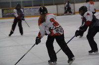 LOOKING FOR A MALE/GIRL HOCKEY GOALIE TO PLAY RINGETTE 2017/2018