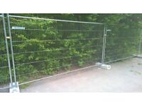 20 Heras fencing panels with base and couplings