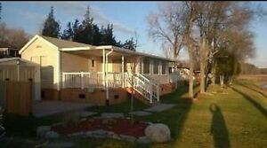 Beautiful and Well Maintained Lakeview Cottage  Belleville Belleville Area image 3