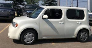 2010 Nissian Cube / ** Low kms**