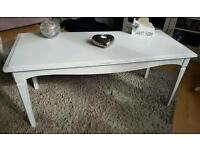 Stag coffee table shabby chic in white.