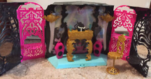 Monster high 13 Wishes DJ playset
