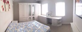 AMAZING DOUBLE ROOM IN EALING INC BILLS AND INTERNET