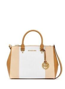 Michael Kors Large Selma tan/white Rowville Knox Area Preview