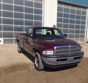 2001 Dodge Power Ram 1500 Pickup Truck  2WD  -  LOW KMs !!