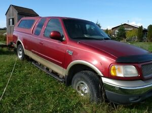 2000 Ford F-150 XLT 5.4L Extended cab Pickup Truck 4x4 for parts