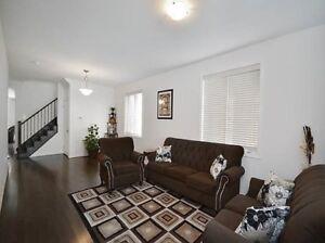 Brampton Detached HOUSE RENTAL $2300/monthly
