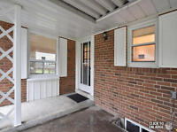 3 Bedroom House - Fully Reno - Lawrence & Victoria Park