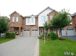 Gorgeous 3 Bed, 3 Bath Townhouse, 2 Parking, Mississauga Rent