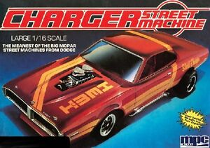 MPC 1/16 Dodge Charger Street Machine plastic
