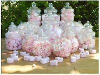 19 plastic sweet containers