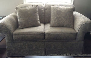 Grey Couch & Loveseat Set Oakville / Halton Region Toronto (GTA) image 2