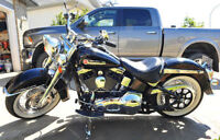 2005 Harley Davidson Softail Deluxe motorcycle only 5200 KM! Wat
