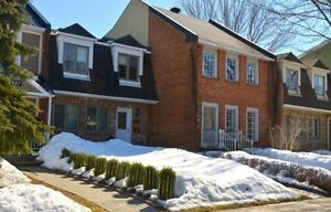 3 bedroom attached home on quiet street in Ile Bizard - July 1