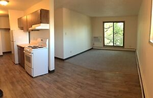 Top Floor 2 Bedroom Apartment Available! Call 306-314-0214