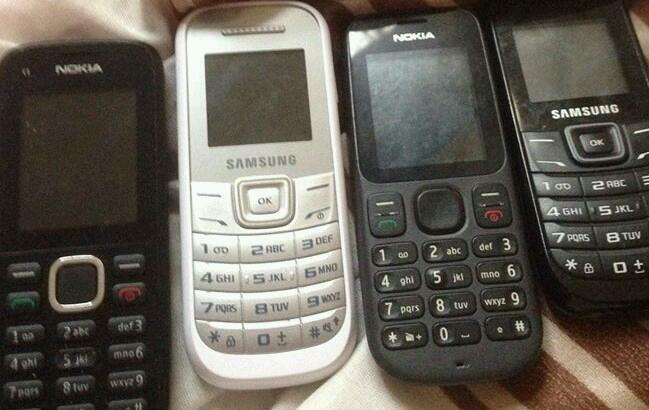 Image Gallery old samsung cell phones