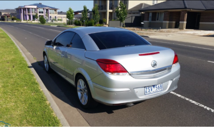 2007 holden astra ah my075 twin top silver 4 speed automatic 2007 holden astra twin top convertible fandeluxe Images