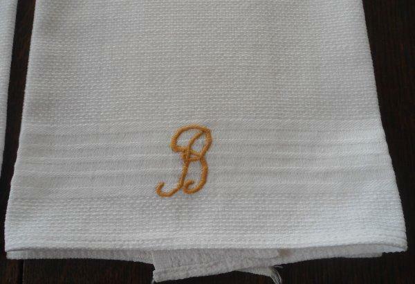 Vintage Set 2 Huck Cotton Towels Gold Monogram B Embroidery Unused Bath Lot