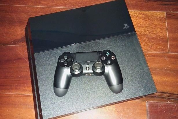 SONY PS4 500GB (UNBOXED) EXCELLENT CONDITION