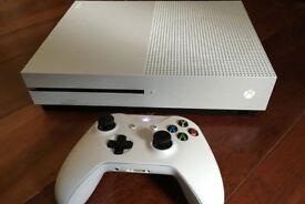 xbox one s 500gb and halo 5 with warranty