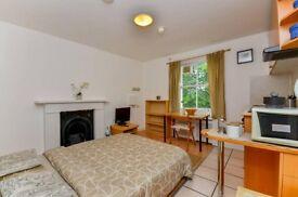 Studio flat in Penywern Road Penywern Road, Earls Court, SW5