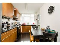 2 bedroom flat in Wainford Close, London, SW19